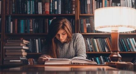 تحصیل رشته زبان در دانشگاه