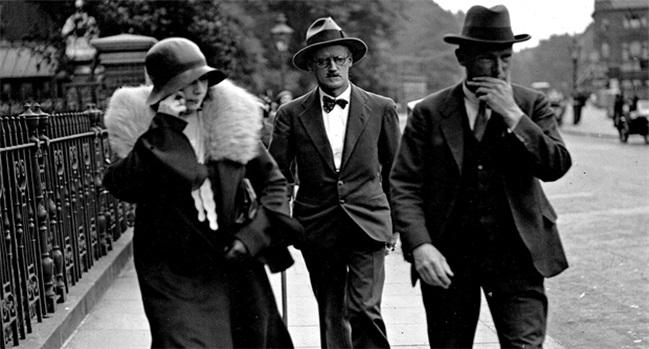 داستان کوتاه انگلیسی: James Joyce - A Painful Case