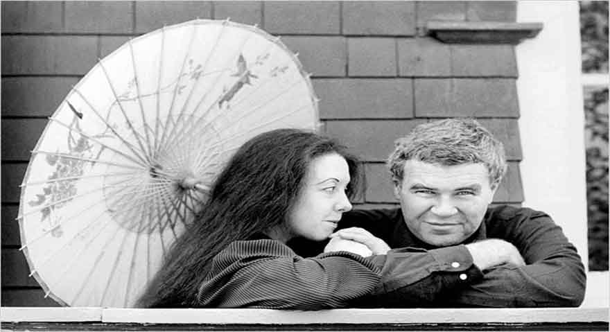 داستان کوتاه انگلیسی: Raymond Carver - What We Talk About When We Talk About Love