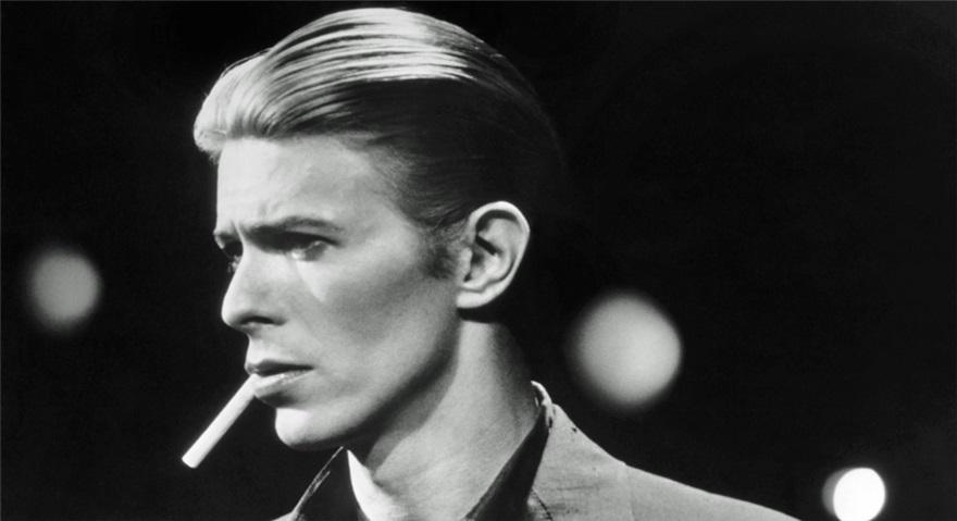 ترجمه آهنگ Heroes از David Bowie به همراه متن و ترجمه ی متن