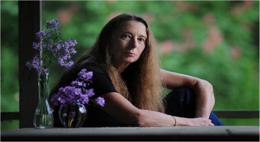 داستان کوتاه انگلیسی: Ann Beattie- Janus